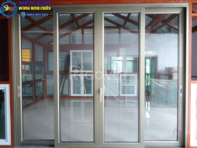 Cửa nhôm kính cường lực TP HCM