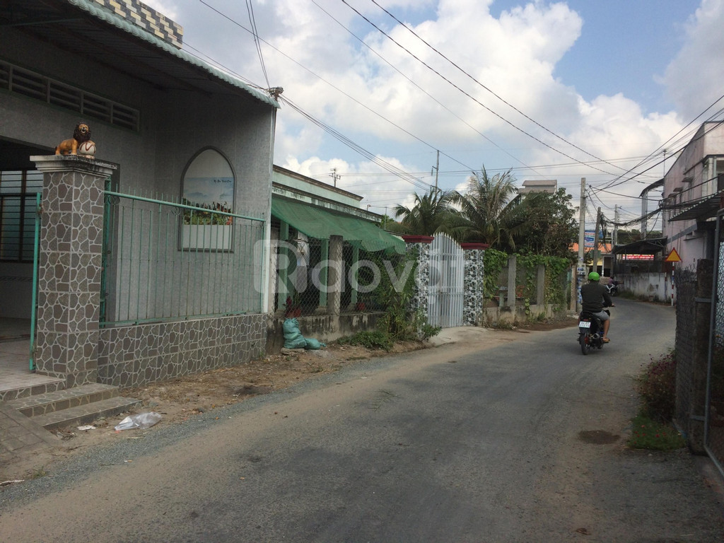 Nhà bán ngay trung tâm KCN Tân Hương, Châu Thành, 156m2, SĐCC