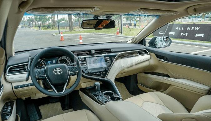 Toyota Camry mẫu Sedan hạng sang