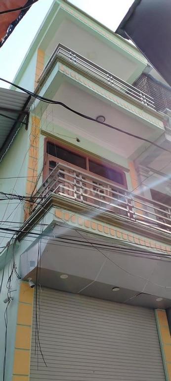Bán gấp nhà trung tâm thành phố Phủ Lý, ô tô vào nhà, 58m2 x 3 tầng