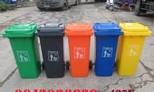 Kích thước thùng rác 120L vừa vặn, tiện sử dụng