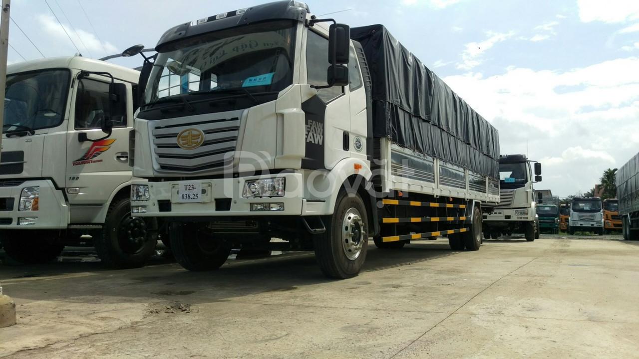 Giá xe tải faw 7.2 tấn thùng chở bao bì giấy, mút xốp
