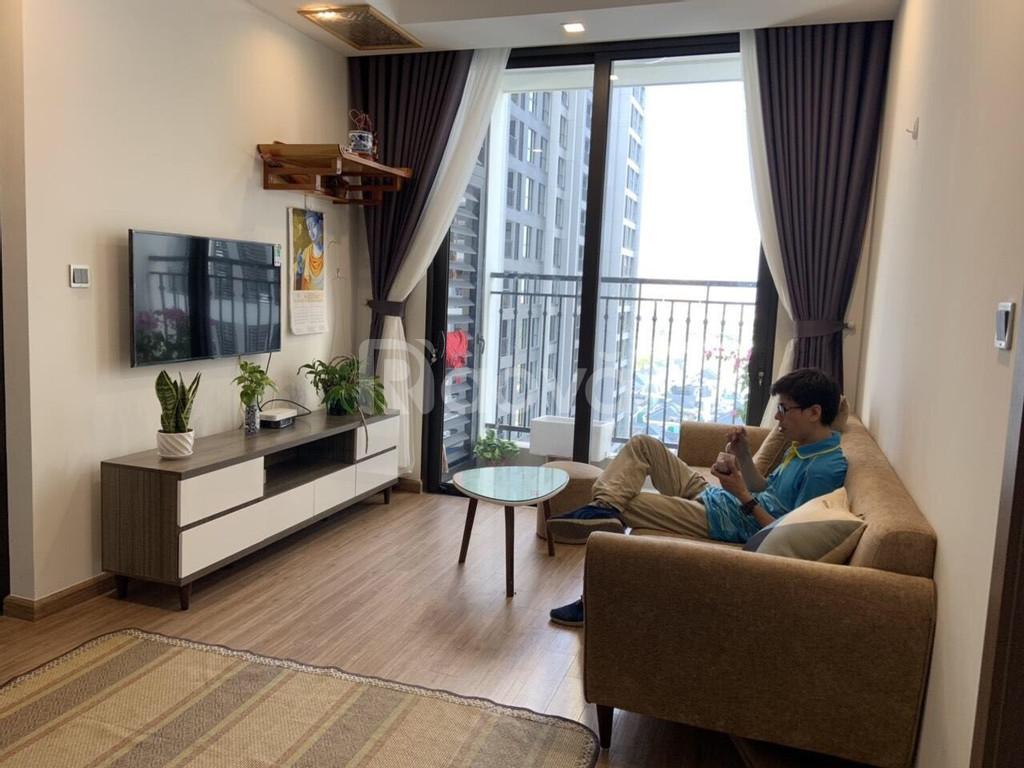 Cho thuê căn hộ 70m2 Vinhome Green Bay Mễ Trì 2 ngủ full nội thất 15tr