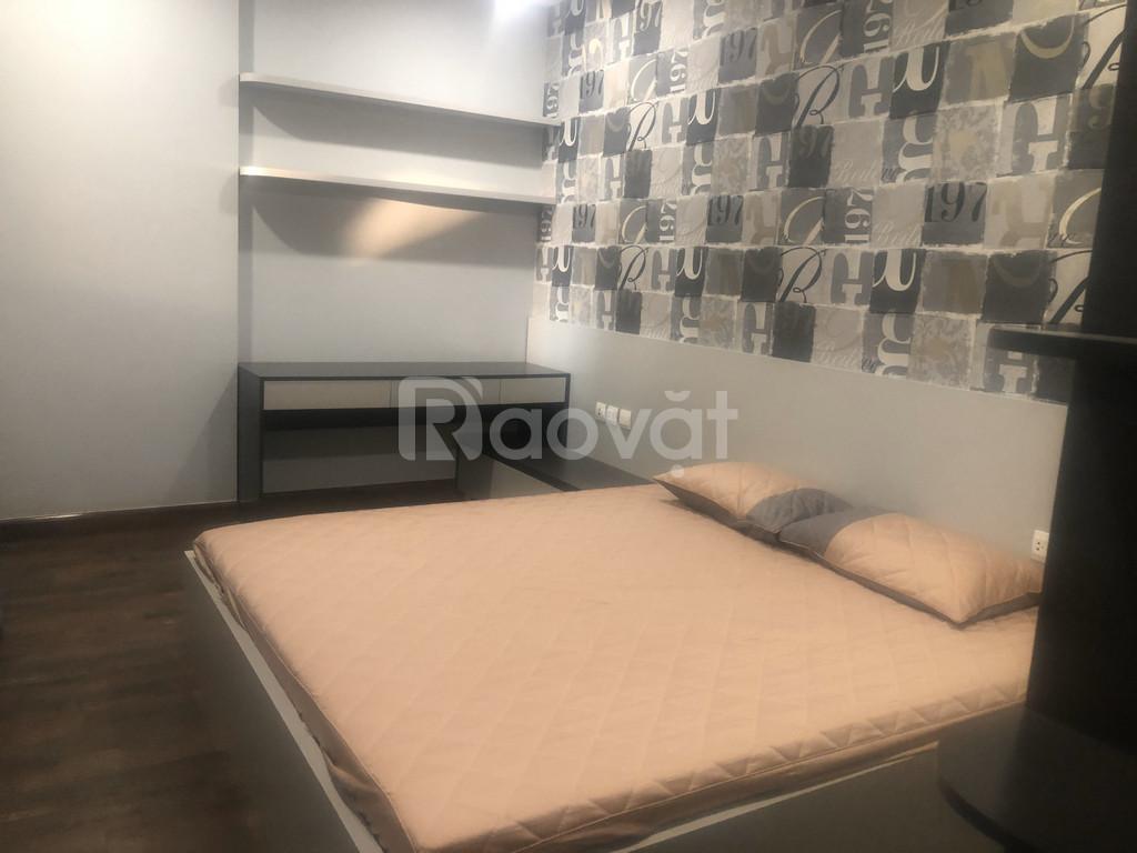 Bán căn hộ Goldseason 83 m2 full nội thất