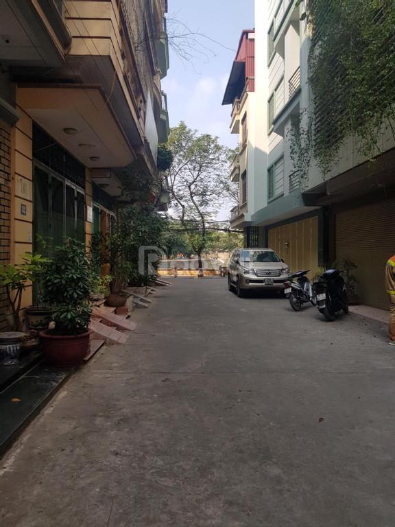 Bán nhà phân lô Phố chùa Láng, 6 tầng có thang máy làm văn phòng