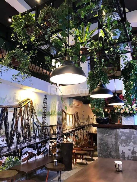 Cho thuê cửa hàng, văn phòng góc ngã ba quận Hoàn Kiếm