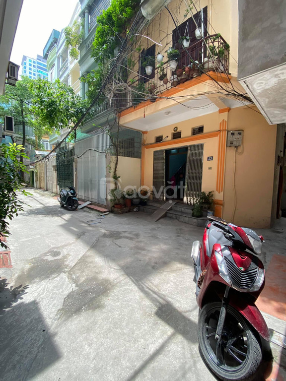 Bán nhà phố Nguyễn Trãi dt 30m2 x 4 tầng  giá 3xx tỷ thanh khoản cao