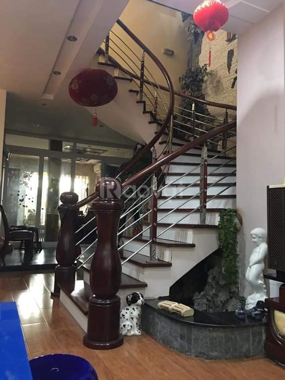 Bán biệt thự Hoàng Hoa Thám, Ba Đình 200m2, giá 20.5 tỷ