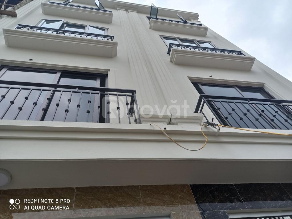 Nhà gần đường Trịnh Văn Bô 38m 4 tầng ô tô đỗ 30m, đường thoáng