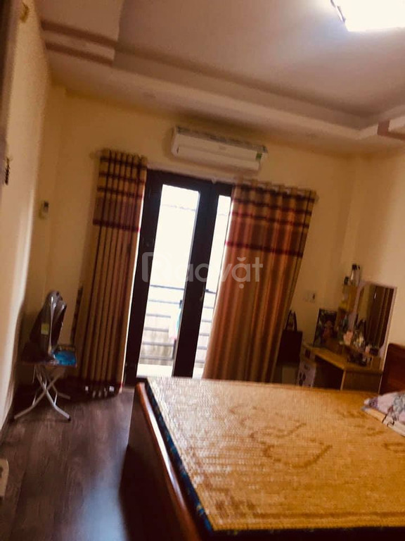 Bán Nhà Thanh Đàm, Hoàng Mai, 15m mặt phố oto tránh, 30m2 x 2 tỷ 180 LH 0944.267.031