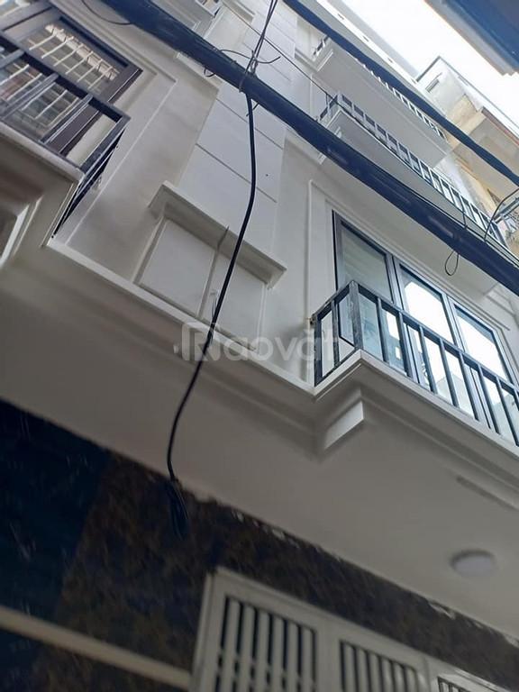 Bán nhà Hoàng Mai 31m2 nhà mới đẹp gần ô tô đỗ