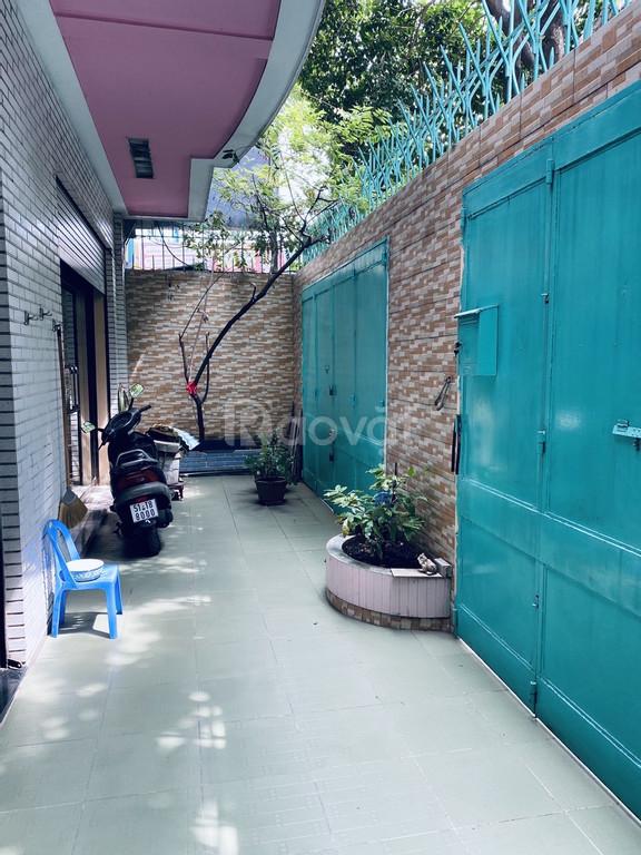 Bán nhà mặt tiền Đào Duy Anh, Q. Phú Nhuận, ngang 9.8m x dài 21m