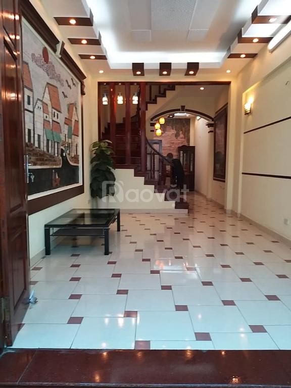 Cần bán nhà Nguyễn Khang 50m2, 4 tầng, 4 PN ôtô vào nhà giá 5,2 tỷ