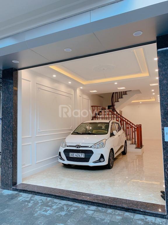 Bán nhà 51m2 5 tầng có gara ô tô giá 4,8 tỷ Bồ Đề Long Biên Hà Nội