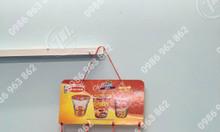 Hanger giấy, vỉ treo trần quảng cáo trưng bày sản phẩm