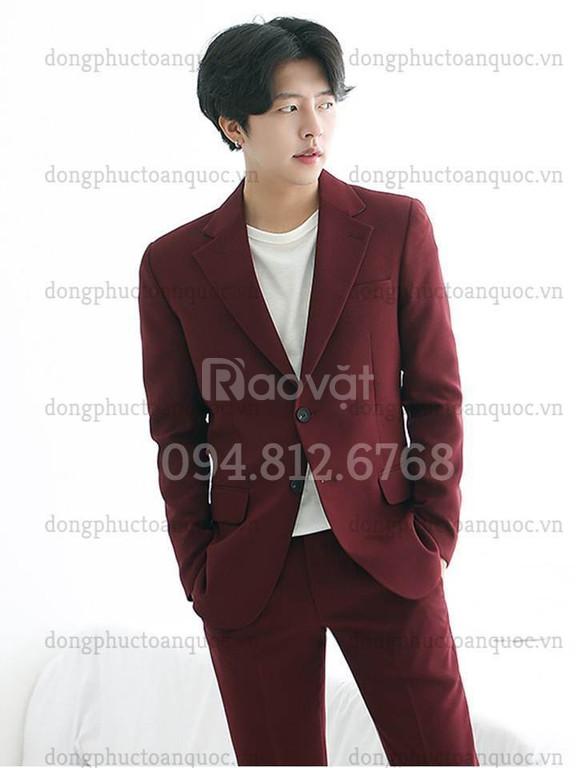 Xưởng may đồng phục áo vest nam theo dáng người cực chuẩn