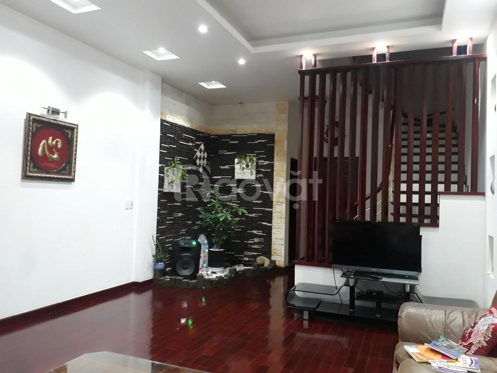 Bán nhà đẹp phố Bồ Đề, 100m mặt tiền 5m, ngõ ô tô đỗ cửa giá 8.3 tỷ