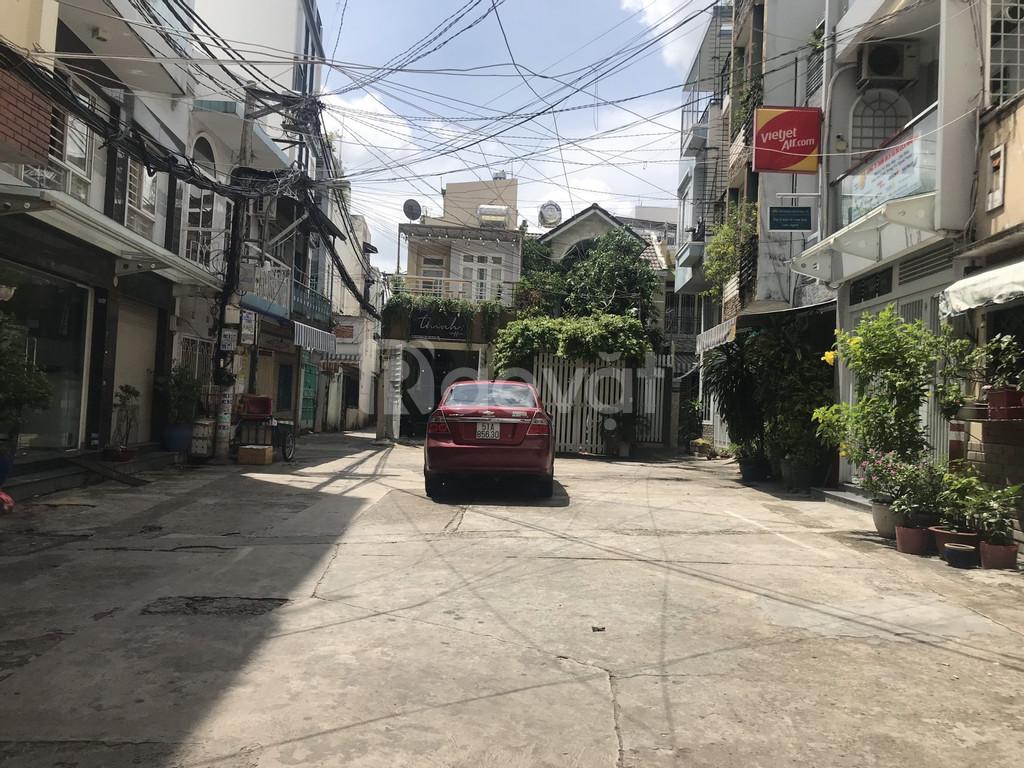 Nhà hẻm xe hơi đường Đinh Tiên Hoàng, Bình Thạnh, cây xanh thoáng mát
