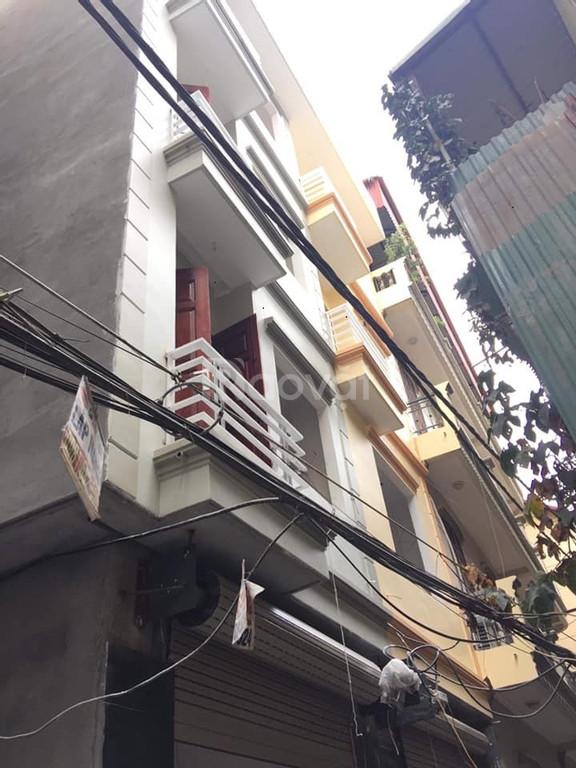 Bán nhà Trương Định 32m2 nhà mới tinh có thể kinh doanh nhỏ
