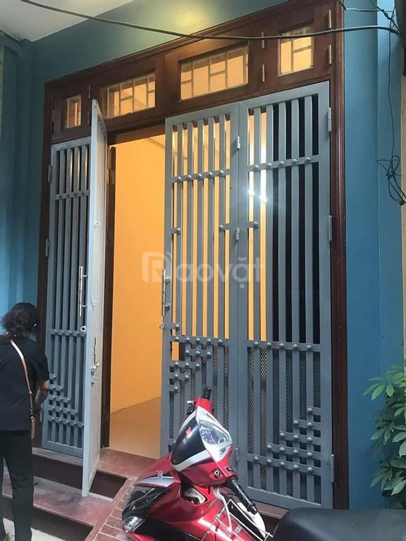 Bán nhà Trương Định 44m2 nhà đẹp ngõ 3 gác