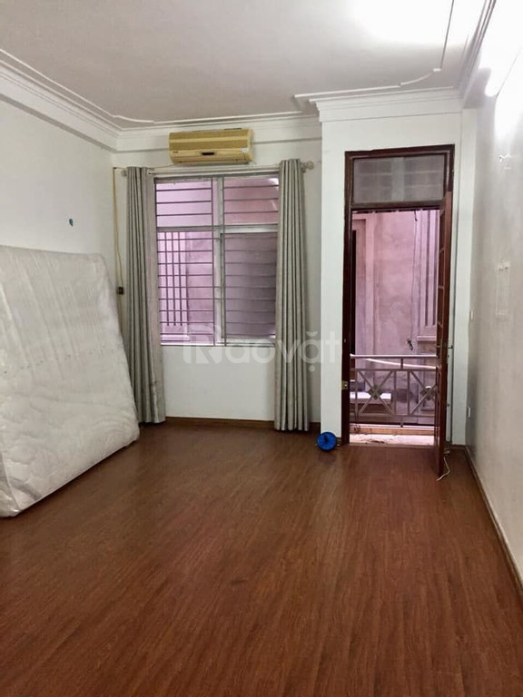 Siêu phẩm phố Trương Định 34m2x4t , nhà đẹp ở ngay giá nhỉnh 2 tỷ