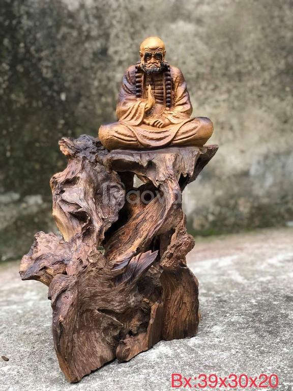 Tượng Đạt Ma diện bích gỗ lũa nhai bách