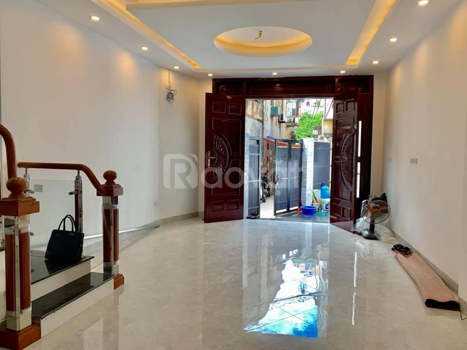 Bán nhà phố Trương Định, 52m, 5T, 4.35 tỷ tặng nhà đẹp
