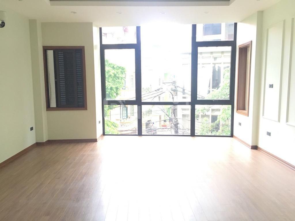 Chính chủ cho thuê nhà mặt phố Đỗ Nhuận, 46m2 x 6 tầng có thang máy