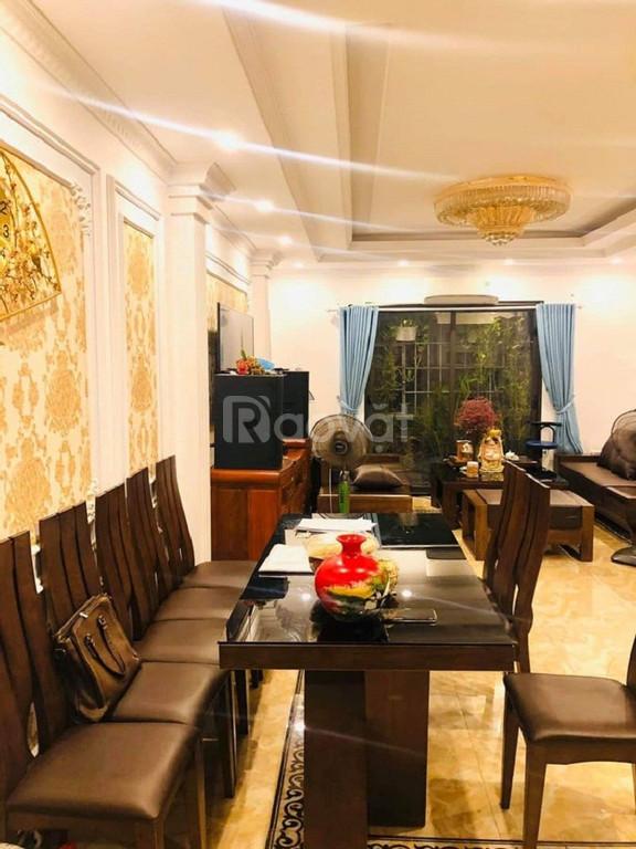 Bán nhà Đại Học Y, Tôn Thất Tùng ô tô đỗ cửa, giá chỉ hơn 3 tỷ.