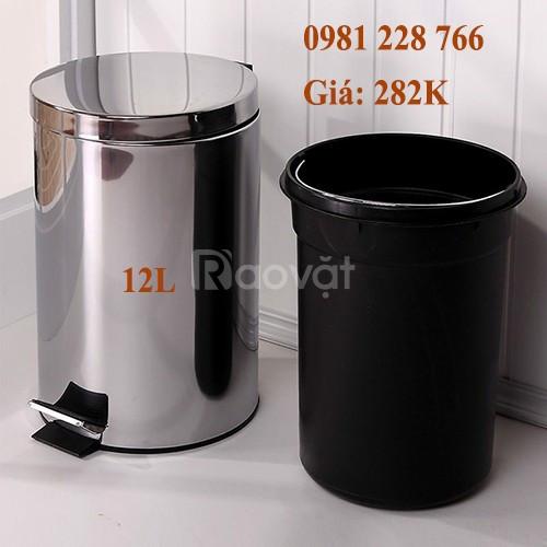 Lựa chọn thùng rác cho các văn phòng