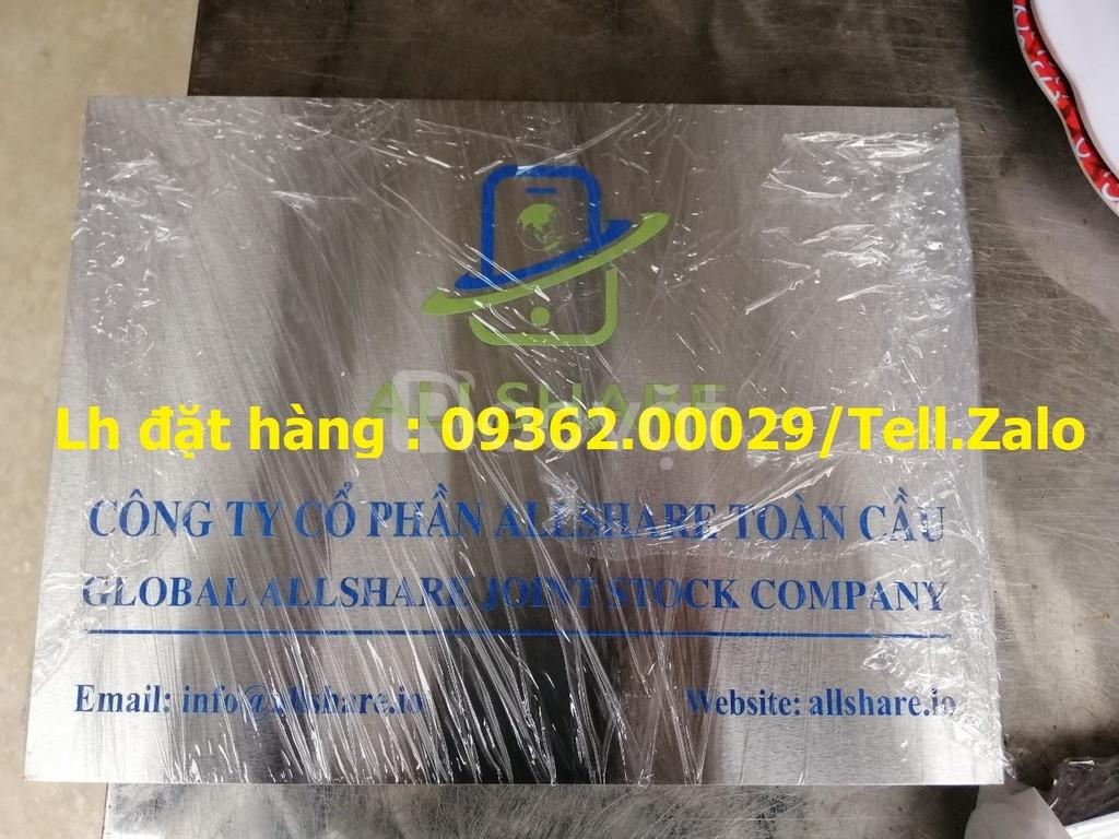 Xưởng chuyên cung cấp biển công ty mica, đồng inox tại Hà Nội