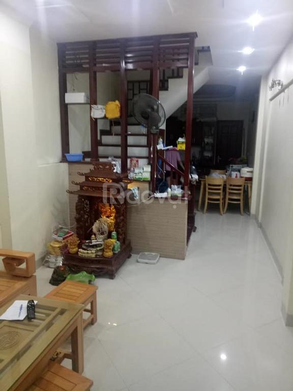 Bán nhà mới Nguyễn Khang 40m2x5T, ba gác đỗ cửa