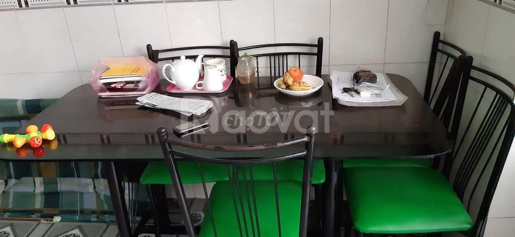 Bán bộ bàn ăn dành cho 6 người