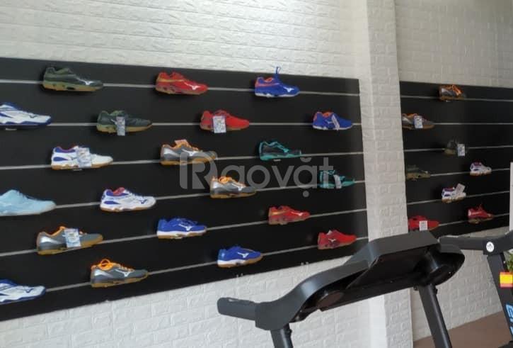 Tủ kệ trưng bày giày dép giá rẻ