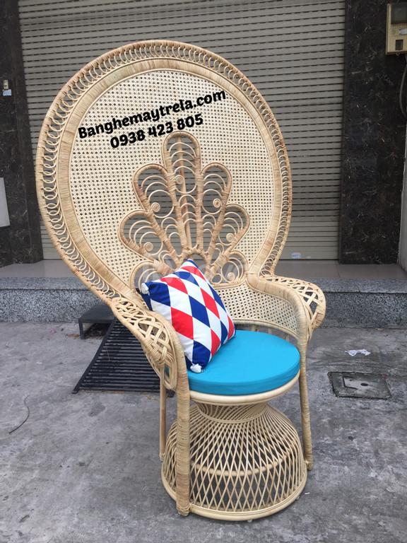 Ghế đuôi công mây tre