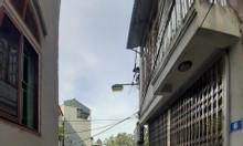 Đang xa bờ bán bất chấp mảnh đất 52m Lang Nha, Long Biên