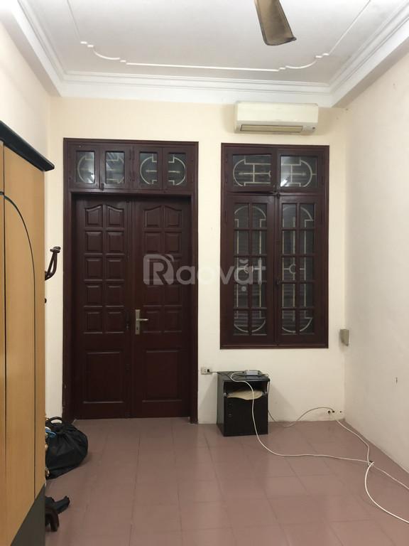 Chính chủ bán nhà 4 tầng, nội thất cơ bản, giá tốt ở Đống Đa, Hà Nội