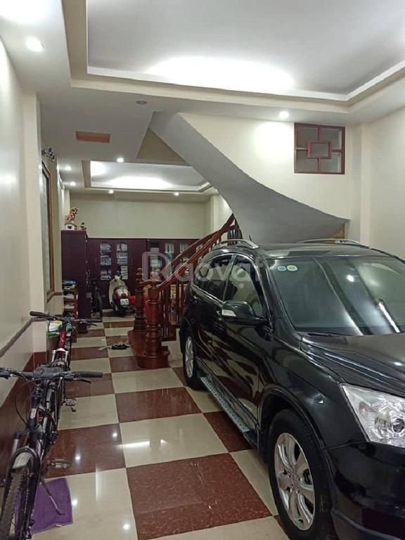Nhà bán gấp nhà Xuân La ô tô vào nhà, 48mx4t,mt 4.4, giá 3 tỷ 5