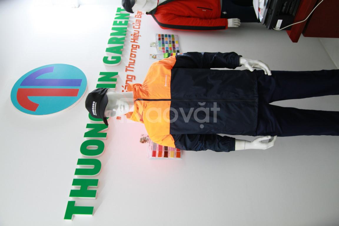 Xưởng may áo khoác đồng phục chất lượng thị trường