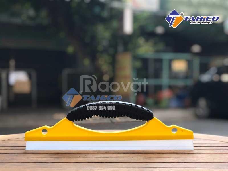 Tay gạt nước kính lưỡi silicon, có tay nắm tại Nha Trang Khánh Hòa