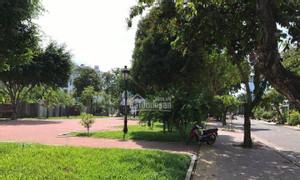 Cần sang lại nền đất biệt thự 200m2 đối diện công viên Tên Lửa