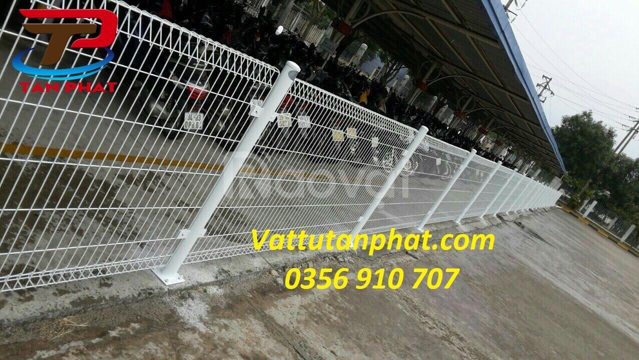 Hàng rào lưới thép mạ kẽm, hàng rào ngăn kho giá tốt