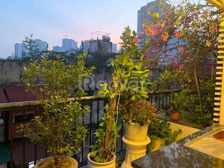 Nhỉnh 3 tỷ có nhà 40m2*5 tầng Nguyễn Trãi ôtô đỗ cửa.