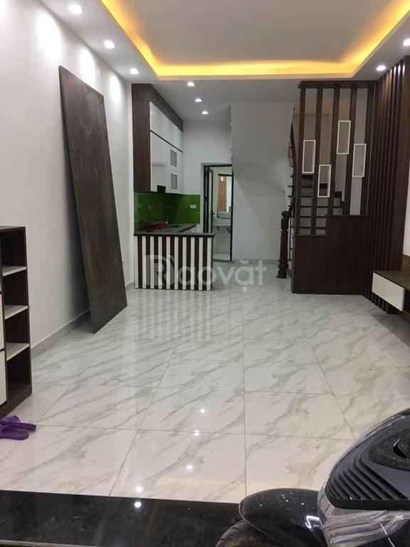 Bán nhà Tôn Thất Tùng 3.9tỷ, 35m2 x 5T, nhà mới, đẹp, thông, ở ngay