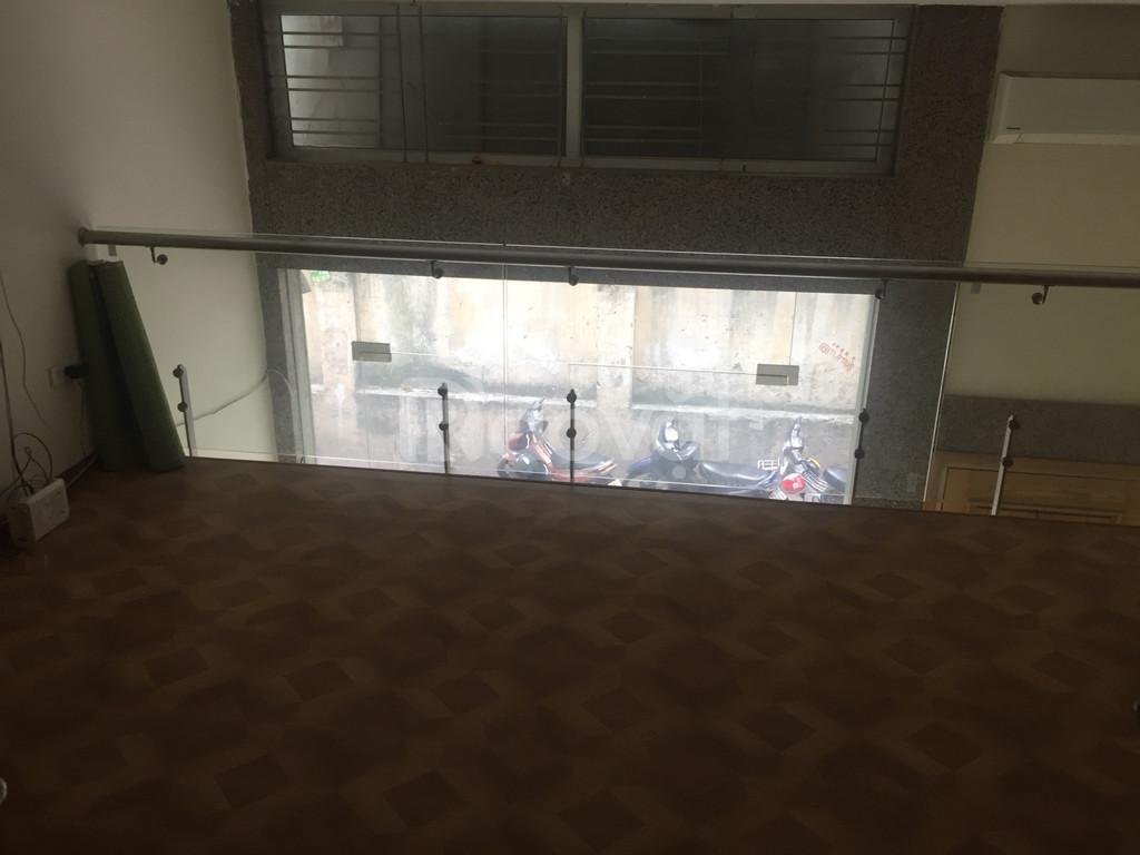 Cho thuê nhà phố Tây Sơn - Đống Đa, 40m2 ô tô tải đỗ cửa