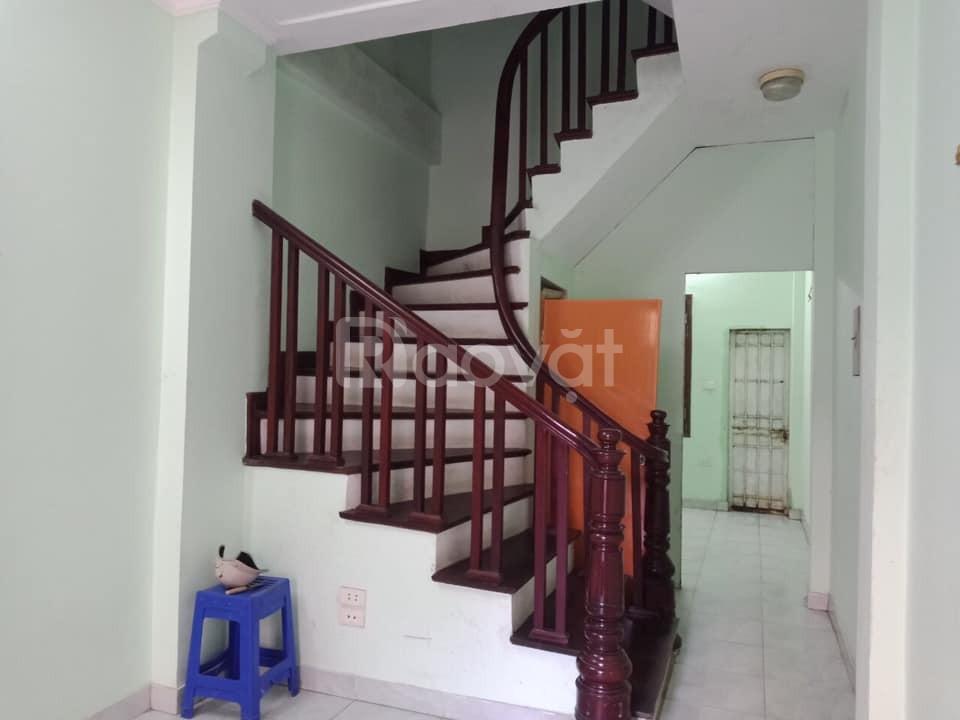 Nhà gần chợ Việt Hưng, Long Biên, đường ô tô tránh, 4 phòng ngủ