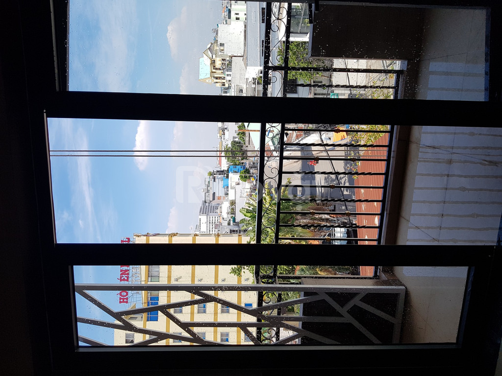 Nhà mặt tiền Lê Lợi Gò Vấp 20 phòng cách sân bay TSN 5 phút
