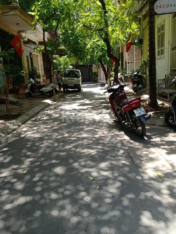 Nhà đẹp kinh doanh mặt phố Hoàng Cầu 2 ô tô vào nhà 18.5tỷ