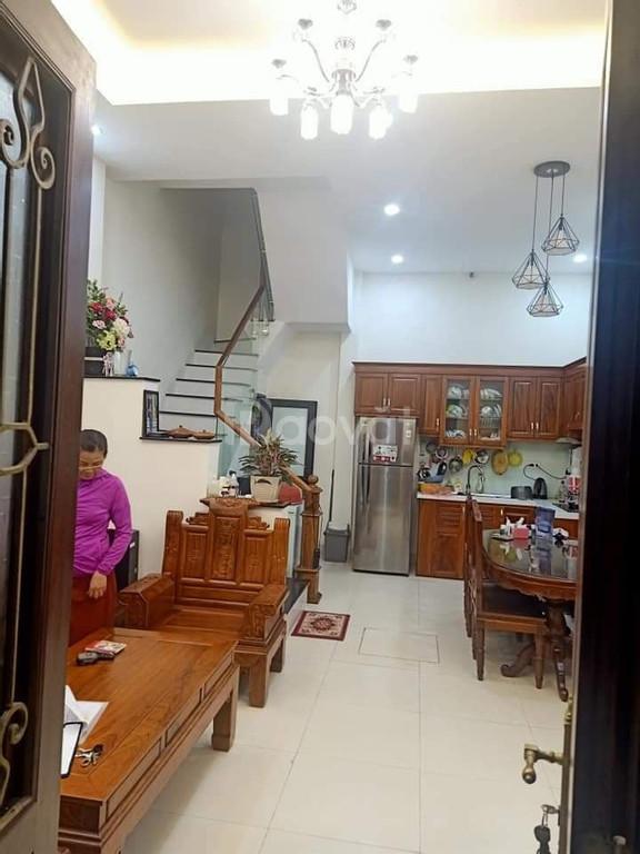 Bán nhà đẹp Bùi Xương Trạch 40m2 giá 3.1 tỷ
