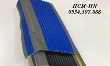 Nẹp nhựa PVC chống trơn cầu thang, nẹp nhựa mũi bậc cầu thang PVC
